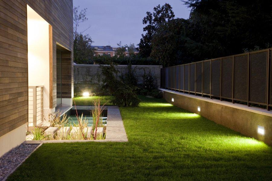 Illuminazione studio tecnico pavoni for Illuminazione esterna casa